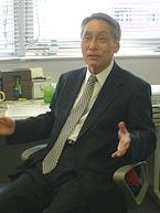 「現代マネジメント概論」を担当している沼倉佑栄教授