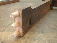 「組み立て家具」で多く使われている「ダボ接合」
