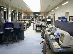 約8万冊の蔵書を閲覧できる美術情報センター