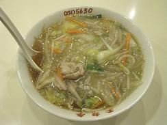 「サンマー麺」発祥の店と言われる「玉泉亭」のサンマー麺