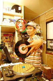 「横浜のレゲエシーンにはいい先輩がいて、若い世代が学べる環境がある」と話す