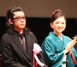 助演賞を受賞した永瀬正敏さんと永作博美さん