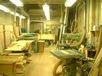 木工機械のある作業場