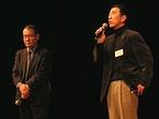 来場者に感謝の言葉を述べる北見さんと鈴村さん