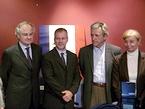 左からベルナール・ド・モンフェラン駐日フランス大使、ティエリー・フレモー氏、コスタ=ガヴラス監督、マルガレート・メネゴーズ氏