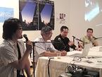 ロングインタビューに応える横浜トリエンナーレ2005ディレクターの川俣正さん